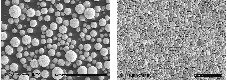Elektronenmikroskopische Aufnahme eines kommerziellen Zirkoniumdioxid-Granulats (rechts). Nach Verpressen und Sintern des Granulats entsteht die Zirkoniumdioxid-Keramik (links) © Fh IKTS